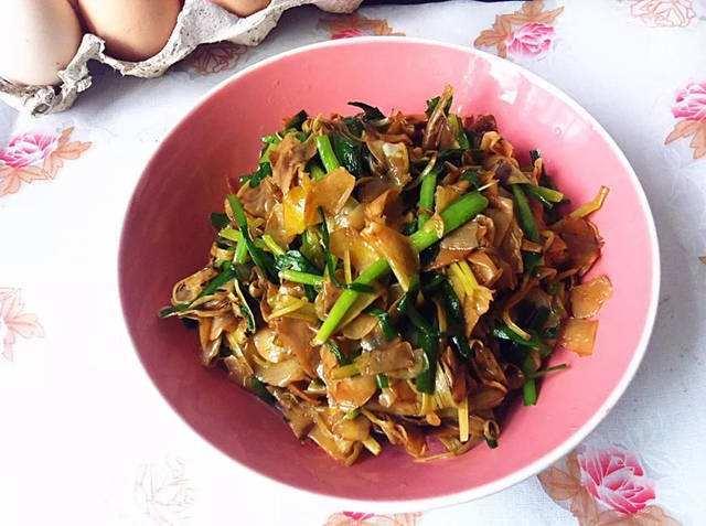 栀子花炒韭菜